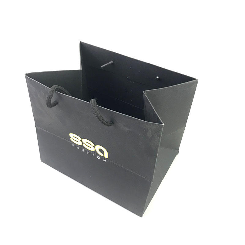 High quality custom paper bag design with gold logo print