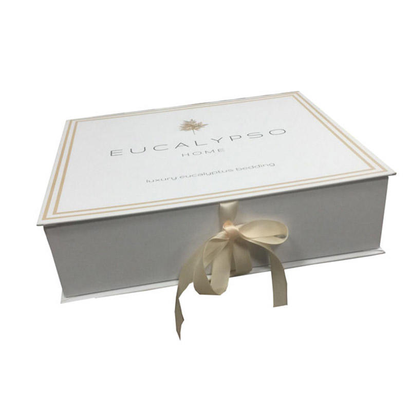 Gold logo customized magnetic gift box with ribbon