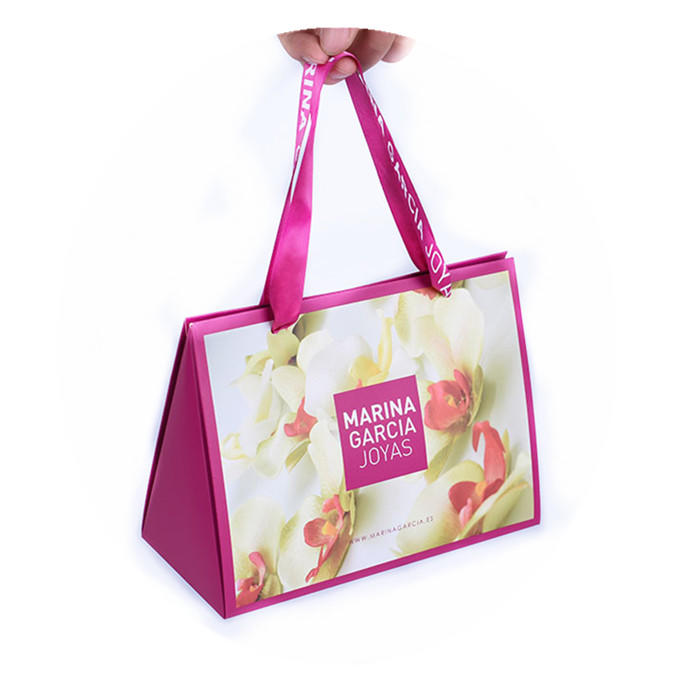 Customized Special designgift packaging paper bag for jewelry